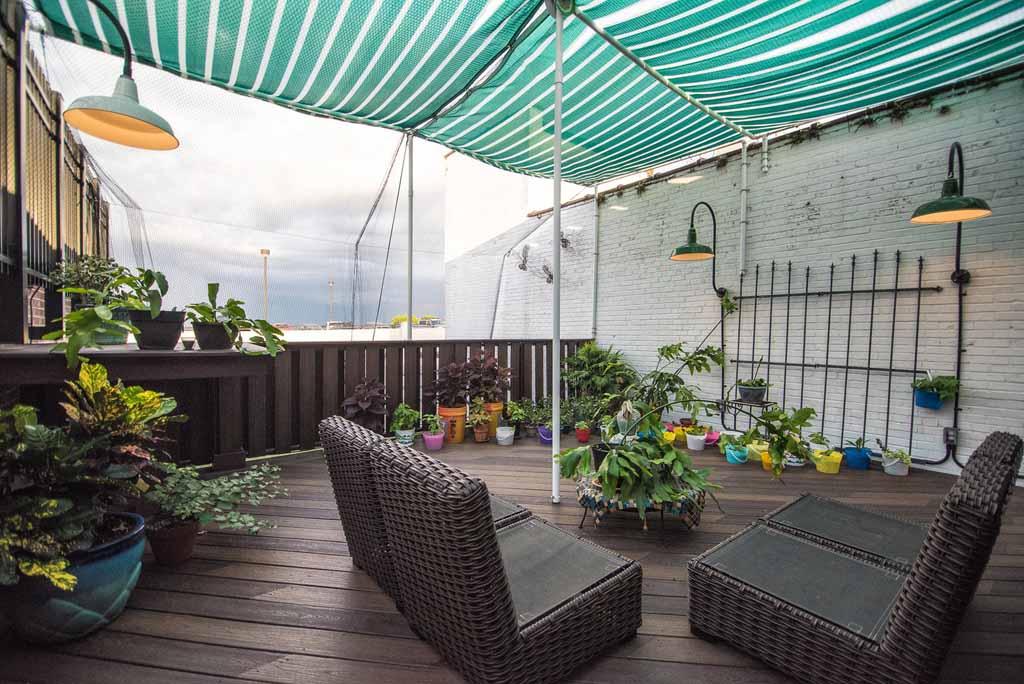 Third-floor garden patio